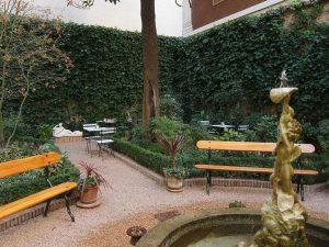 Cafe de Jardin 1