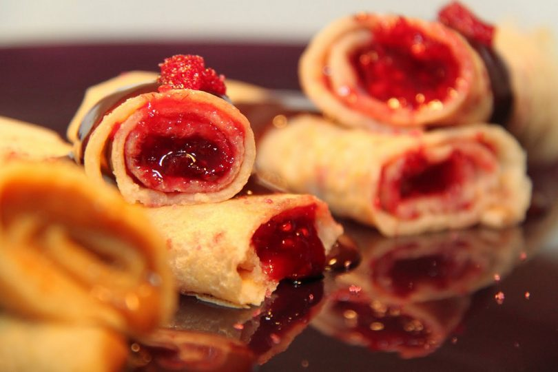 crepes filled with berries