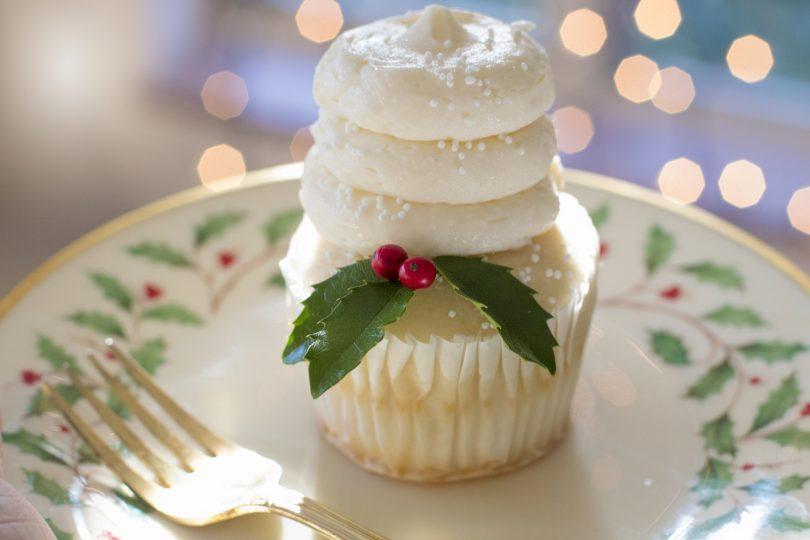 christmas dessert with merengue