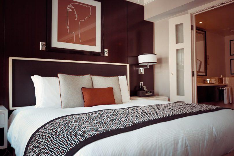 bedroom in burgundy