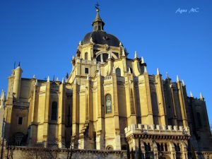 Almudena church madrid