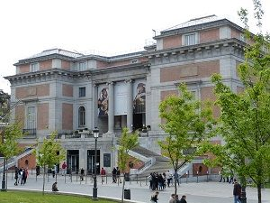 exterior of prado museum in madrid