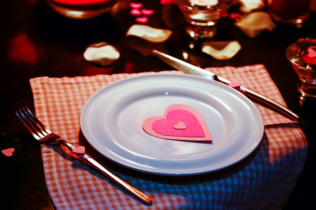 dinner plate with pink heart