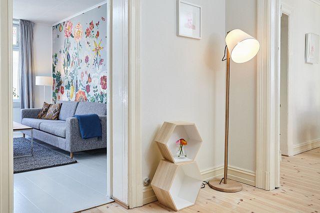 corner with lamp